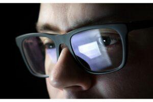 protective eyewear to alleviate tech staff eye strain